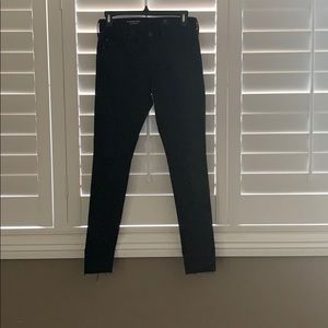AG Farrah The legging Ankle size 26 in black.